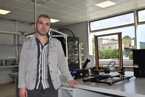 Daniele Cafolla nel Lab. Biomeccatronica Neuromed
